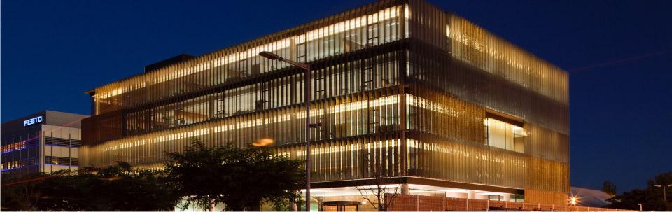 Cortizo presente en el primer proyecto constructivo con for Parasoles arquitectura