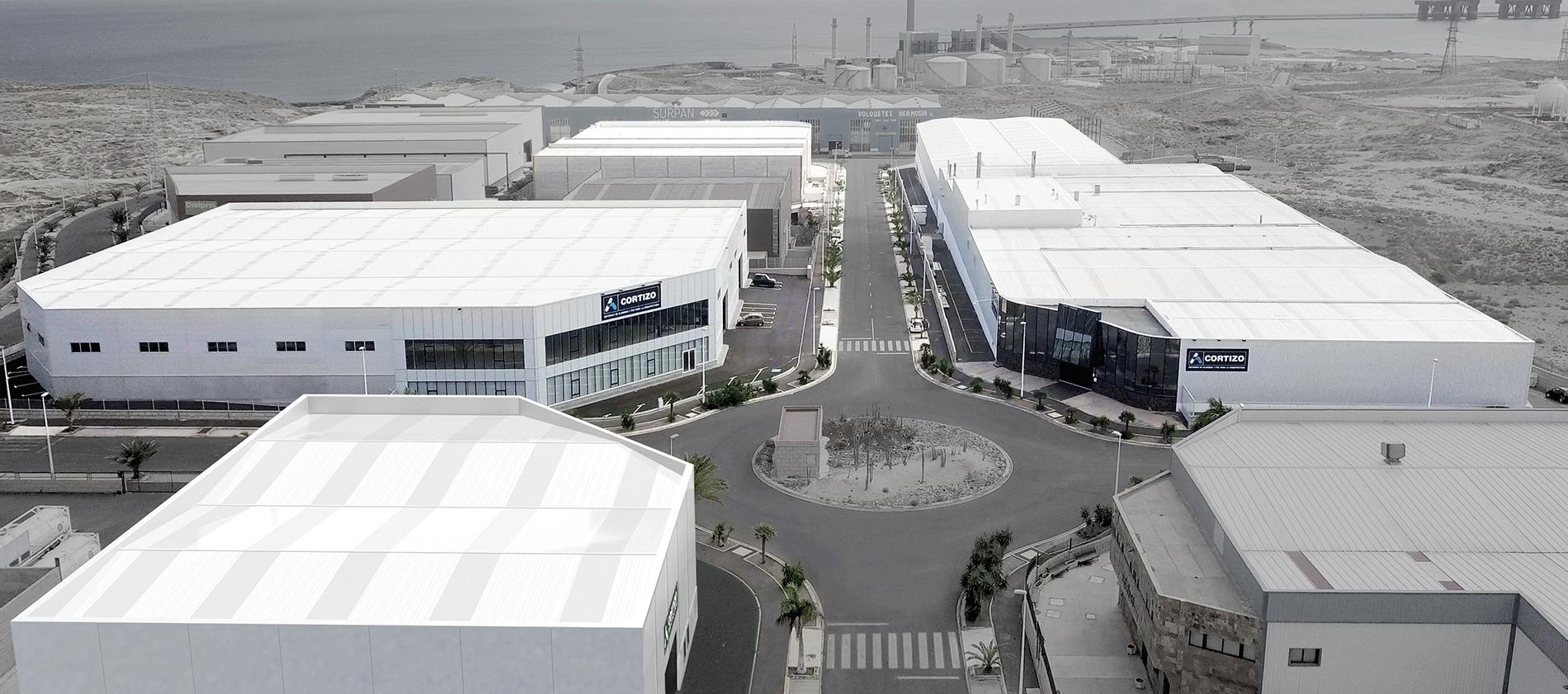 CORTIZO CANARIASCAPACITA' PRODUTTIVA6.000 Tm/anno» Pressa d' estrusione» 3 Impianti di verniciatura» Impianto d'ossidazione» Superficie 16.870 m²
