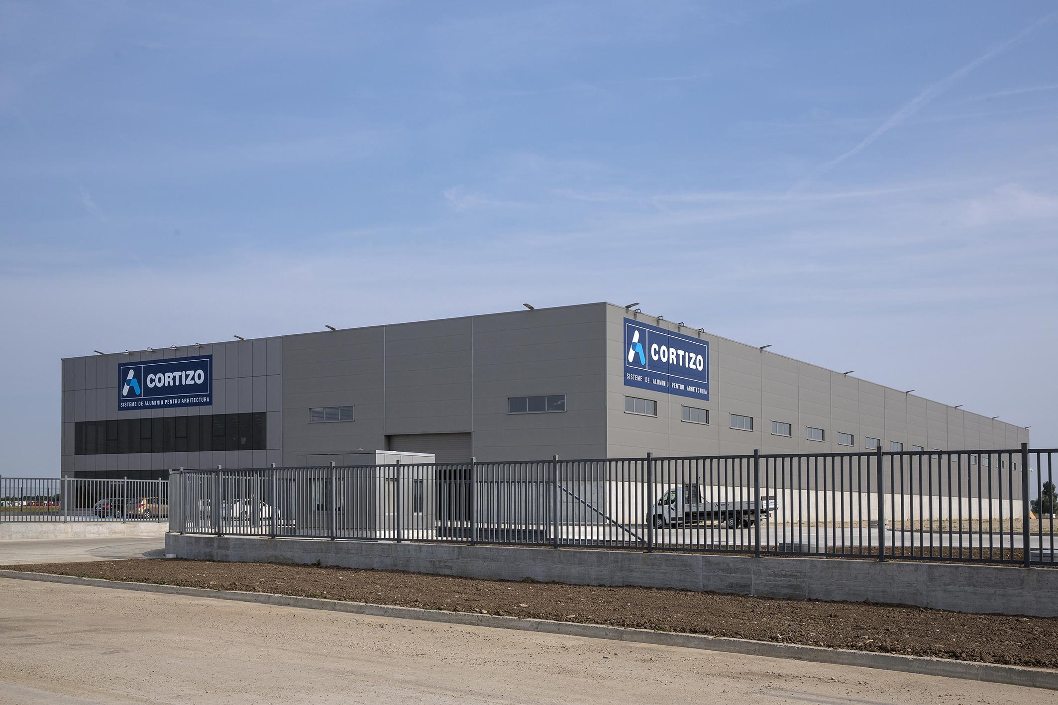 CORTIZO abre un nuevo Centro Logístico con planta de lacado en Bucarest