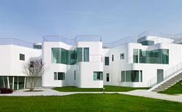 Casa V. Singularidad arquitectónica y eficiencia energética con sistemas CORTIZO