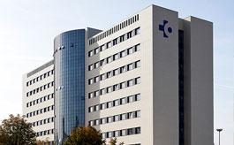 Fachada TPV 52 de CORTIZO en el Edificio de Consultas Externas del Hospital Universitario de Álava