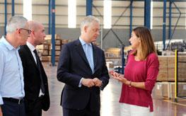 El embajador de Reino Unido en España visita la sede central de CORTIZO