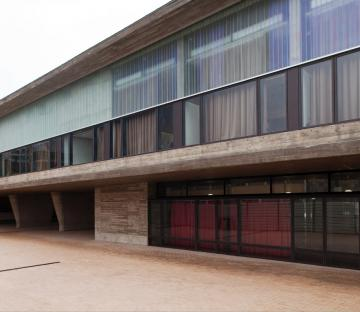 Luis de Freitas Branco Secondary School