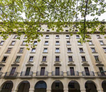 Rodezno 8 apartment building