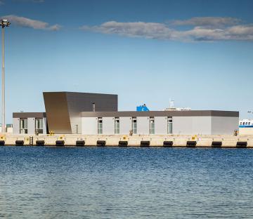 Edificios de Servicios Naúticos del Puerto de Valencia