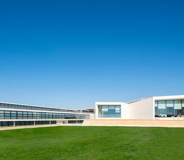 Nova SBE - School of Business & Economics